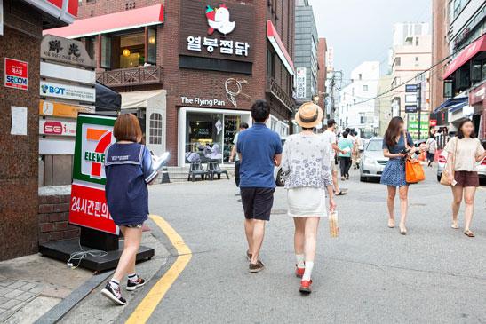 #Day 4/  今天就來直擊一下,一般上班族的午餐時間吧~這是韓國PIKI公司附近呢~