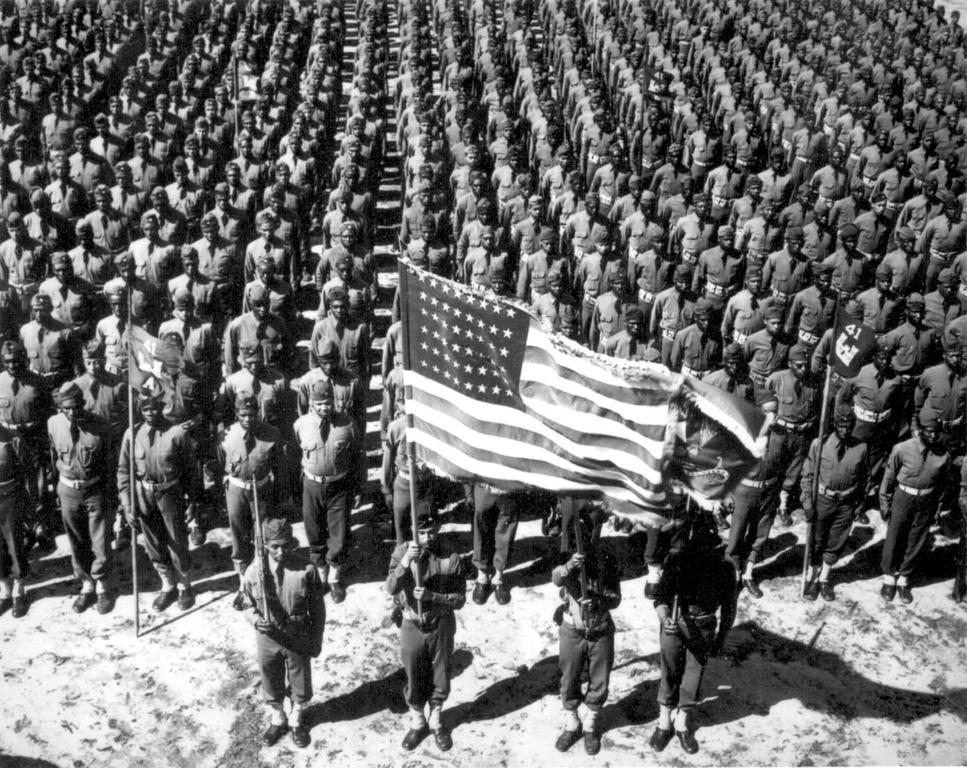 好了,到目前為止,只是簡約的說明一下二次大戰之所以會發生的起火點,但是主題是美國崛起呀!美國其實是在1941年,最後一個才加入戰爭的國家。