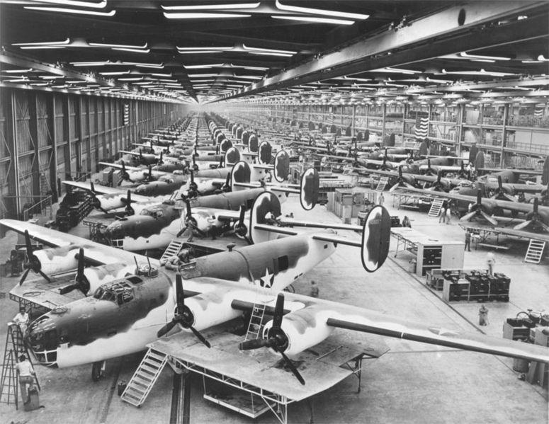 戰鬥機324,750台,其中4年之間生產了18,431架轟炸機,幾乎等於1小時就生產出1台的速度!(超驚人)