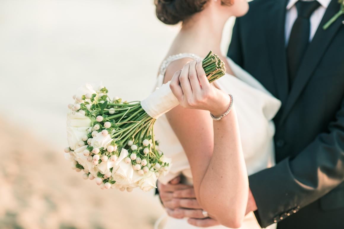 每個女孩都希望自己是最美的新娘,尤其是穿上婚紗的那刻~尤其是明星們擁有曼妙的姿態,穿上婚紗真的美翻了~今天就選出穿上婚紗的3大美女演員,美到讓人想要直接把她娶回家~