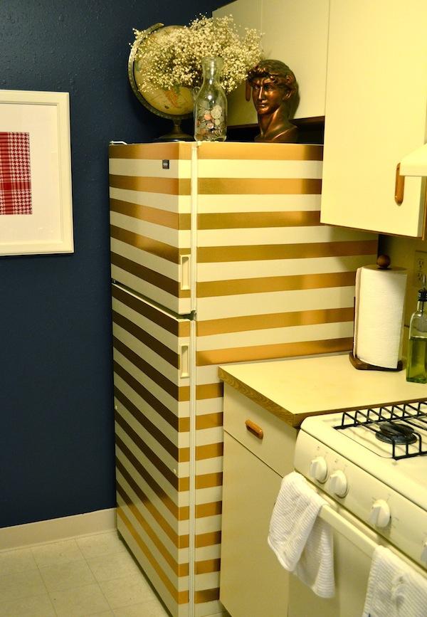 然後準備了一些金色膠帶,等下我家冰箱也會變這樣摟!XDDD