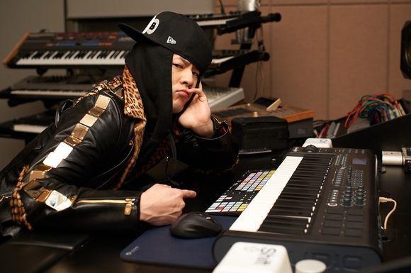 第3名 - 1TYM Teddy 版稅:9億 467萬韓元 (約台幣2585萬)