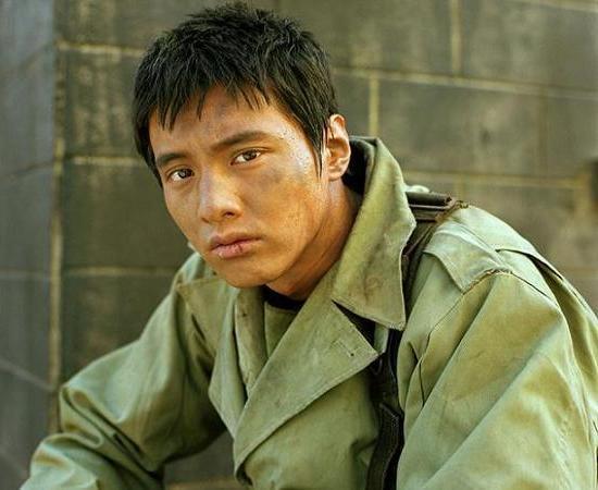 2004年演出韓國國內獲獎不斷的電影《太極旗-生死兄弟》
