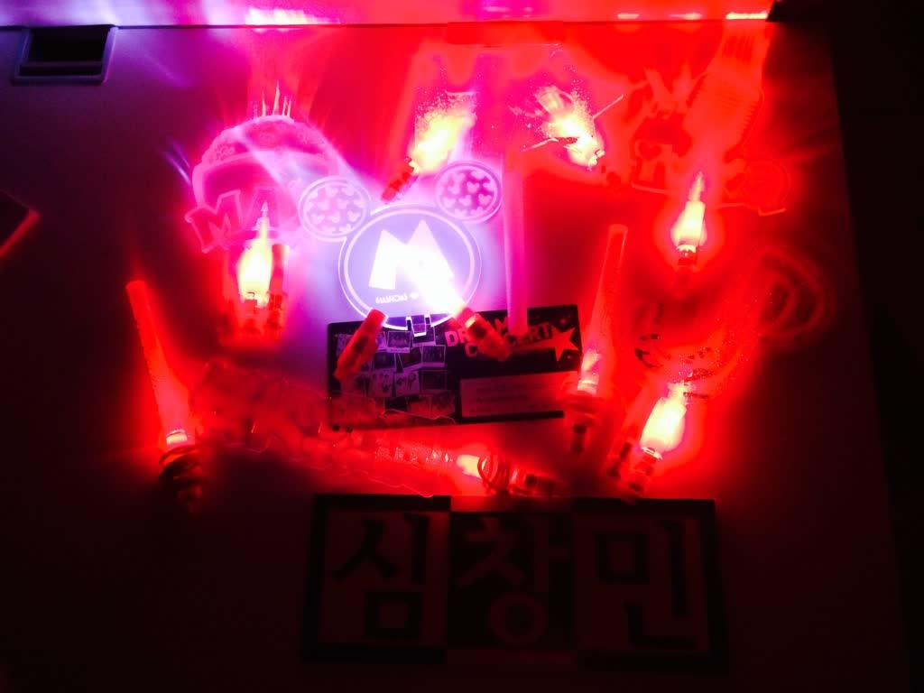 明明手只有一雙,帶去演唱會的手燈就有10個!