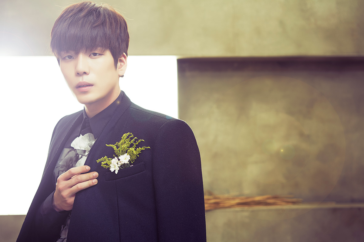 原來是今天有個新聞,2AM的成員昶旻宣布不和JYP續約~