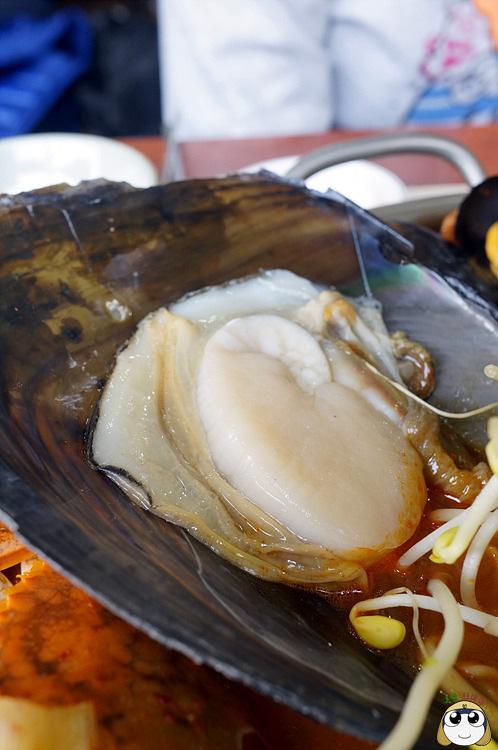 雖然價格便宜,不過海鮮新鮮的程度,可是可以直將拿來當生魚片吃的唷!