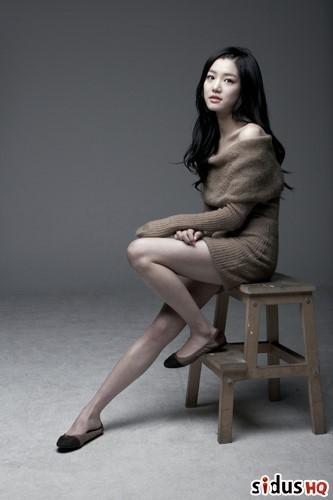 1990年出生的李侑菲,今年24歲!是可愛的天蠍座女孩~