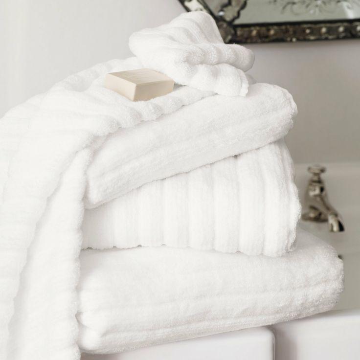 洗完一場熱水澡以後,用鬆鬆綿綿的乾淨毛巾,輕擦臉蛋,當下心情會有多好呢~相信大家都知道!!!