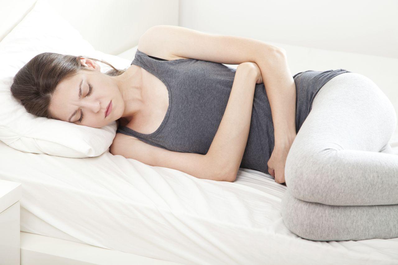 萬一就放置著發炎的子宮頸不管的話,也容易併發骨盤炎的危險症狀。還有可能導致不孕症,可能誘發多種的併發症,可是非常可怕的呢