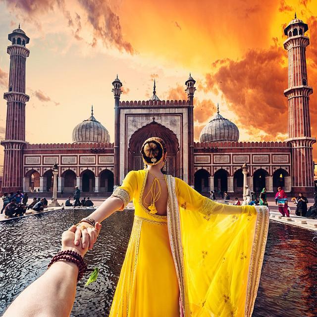 不管去哪,兩人就這樣手牽手一起去,真的是一件浪漫的事
