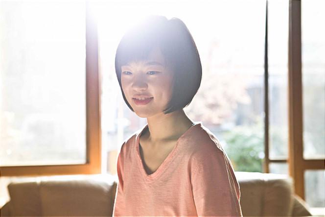 之後更於2013年,在百想藝術大賞中,憑著《朝韓夢之隊》拿下電影部門最佳新人女演員,演技實力是備受肯定