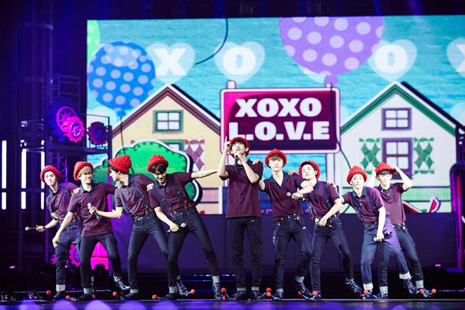 EXO的銷量跟粉絲投票都是很強悍的~說到執著度絕對拼不過她們!!