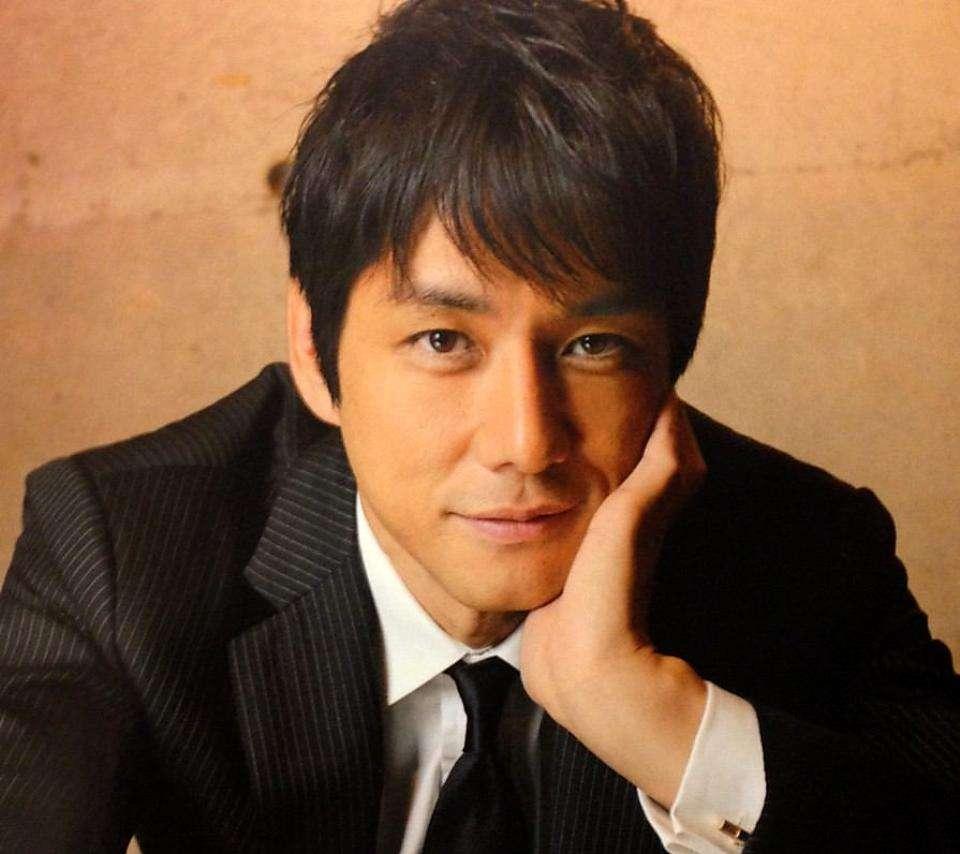 第5名 西島秀俊(1971.3.29)ㅣ演員  代表作:愛情白皮書<1993>、電影<彩虹下的幸福>2005等