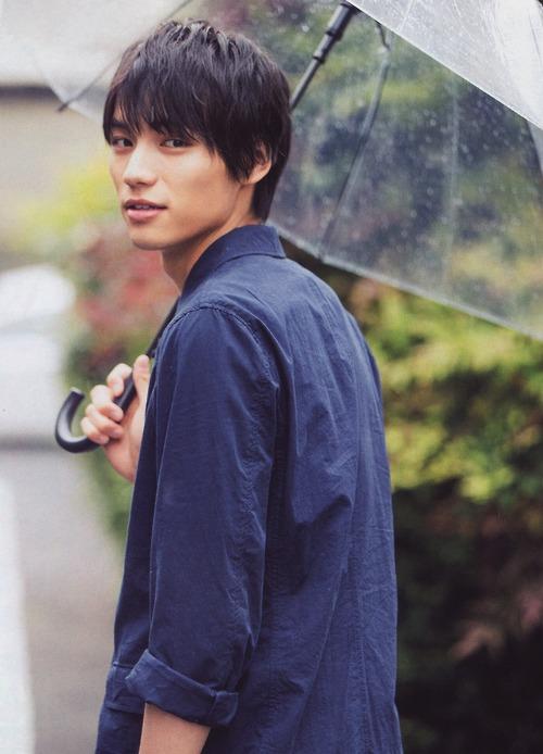 第2名 福士蒼汰(1993.5.30)ㅣ演員  代表作:電影只要妳說你愛我<2014>、閃爍的愛情<2015>、電視劇小海女<2013>等