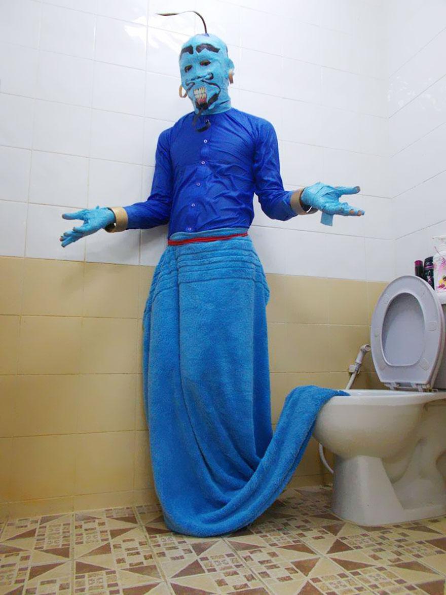 # 阿拉丁神燈的燈神 一整身藍色就大功告成了,不過記得你家馬桶要先刷乾淨XDDD