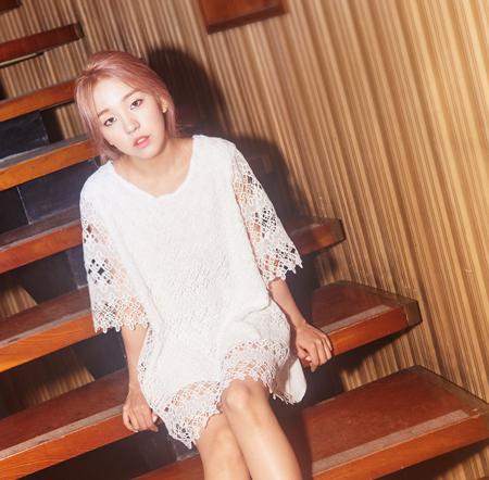 還有日前逆勢橫掃音源榜的JYP歌手白娥娟~~~