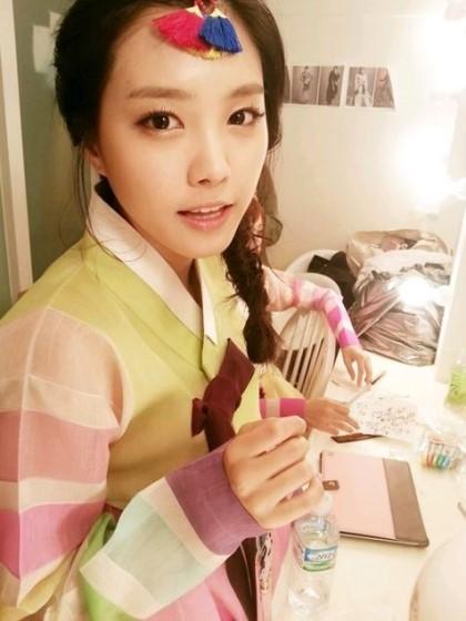 韓國人在幾個重要節日會穿上傳統韓服,或是喜慶日子也會穿上慶賀