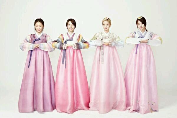 不同於打歌服的Girl's Day,穿起韓服的她們,天啊...好漂亮!!