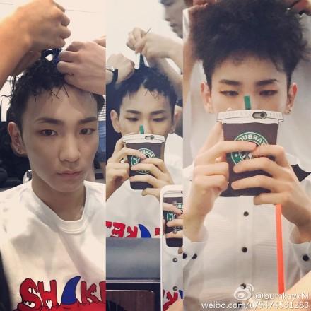 先前回歸的KEY….他的髮型真的跟花椰菜一模一樣耶!!!XDDDDDD
