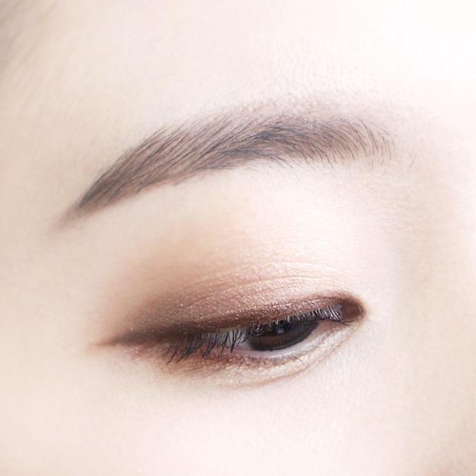 用控油蜜粉打底後,再上眼妝是不是看起來很貼妝