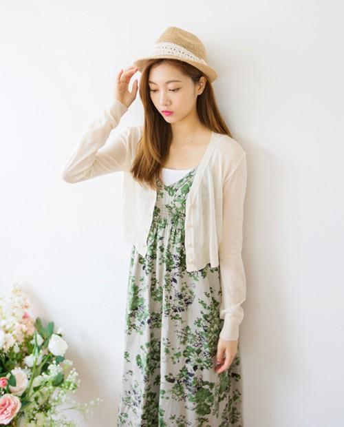 8,000韓幣(約台幣235元) | 短版夏天罩衫   最後要介紹的就是夏天大家都愛的夏天罩衫,這裡介紹的是短版
