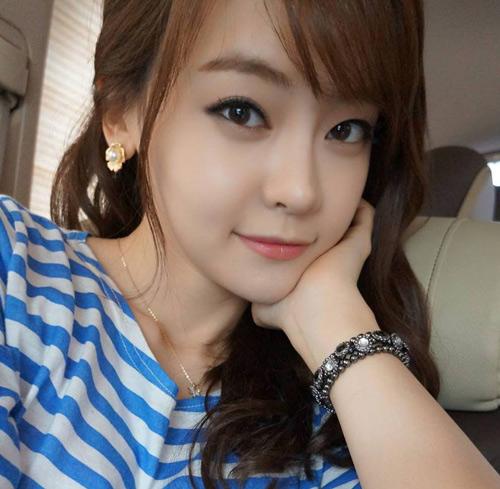 人稱「韓國最正聲優」,名字叫做徐宥利,粉絲可以在《SNL Korea》、韓版《英雄聯盟》聽到或看到她的演出