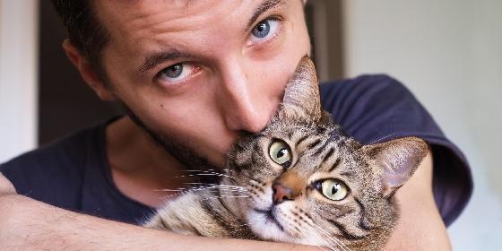 10.貓  如果你喜歡的他養的是貓,那....你就做好在他心中絕對不會排到第一的準備了XD