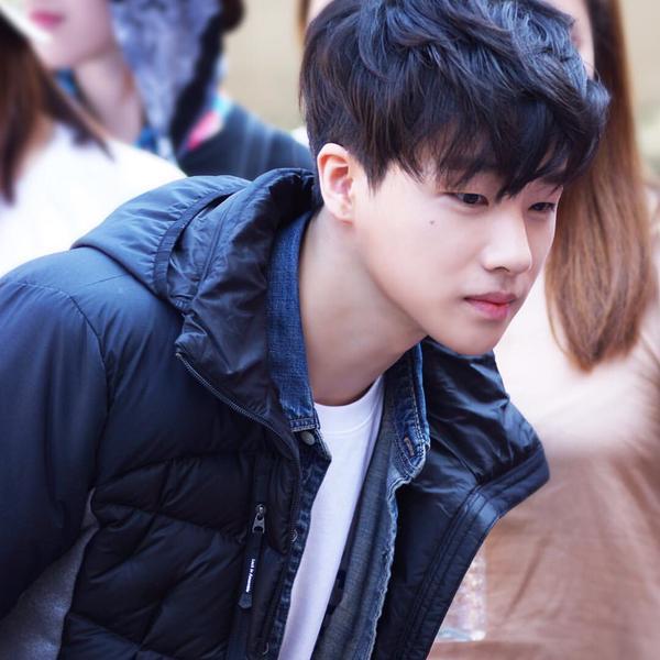 3代魅力男-iKon的金振煥