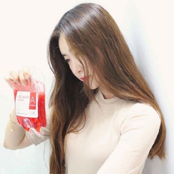 其實就是一般的沐浴乳,做成捐血袋造型其實剛上市就嚇壞不少人,但依舊有不少人搶先試用。