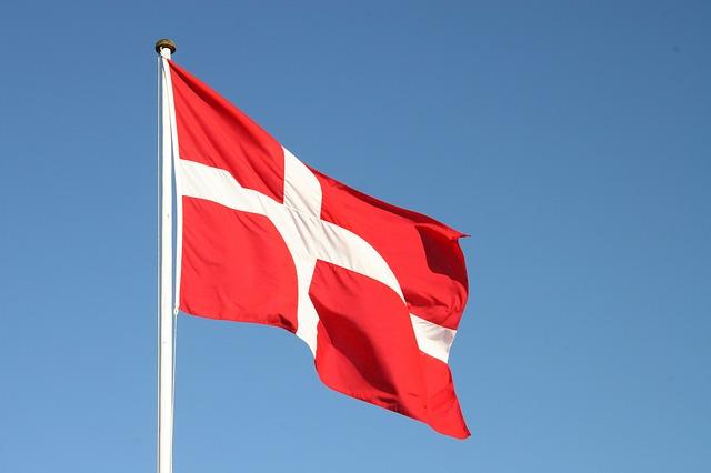 正解:丹麥! 根據UN所調查的資料顯示,丹麥是「世界幸福指數第一名的國家」。(幸福指數最低的國家是...韓國QQ)