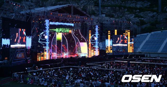 吼~你都不知道,現在全大韓民國都在聽這幾首歌!那就是昨晚播出的2015無限挑戰嶺東高速公路歌謠祭!