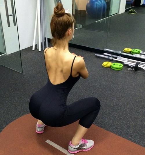 讓我們來看看她都是怎麼鍛鍊身材的