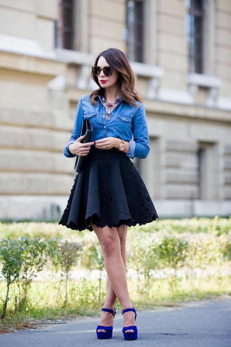Flared skirt:傘狀裙是一種像A字裙一樣往下垂墜的裙子。固定住腰的部份,讓腳的線條可以完美呈現,因此是受到許多女性們喜愛的裙子之一!那摸接下來就趕快來看看傘狀裙應該怎樣穿搭吧:)