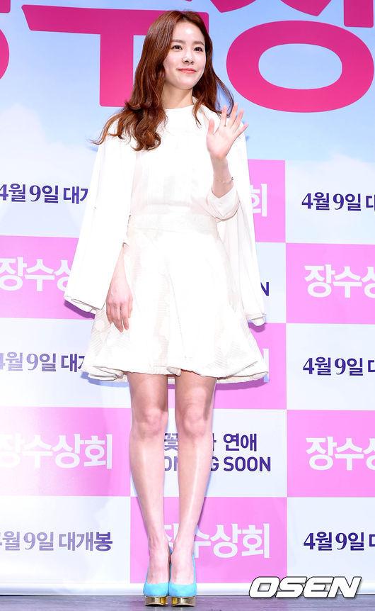 韓智敏的全白LOOK!!!!!! 超清純甜美的!
