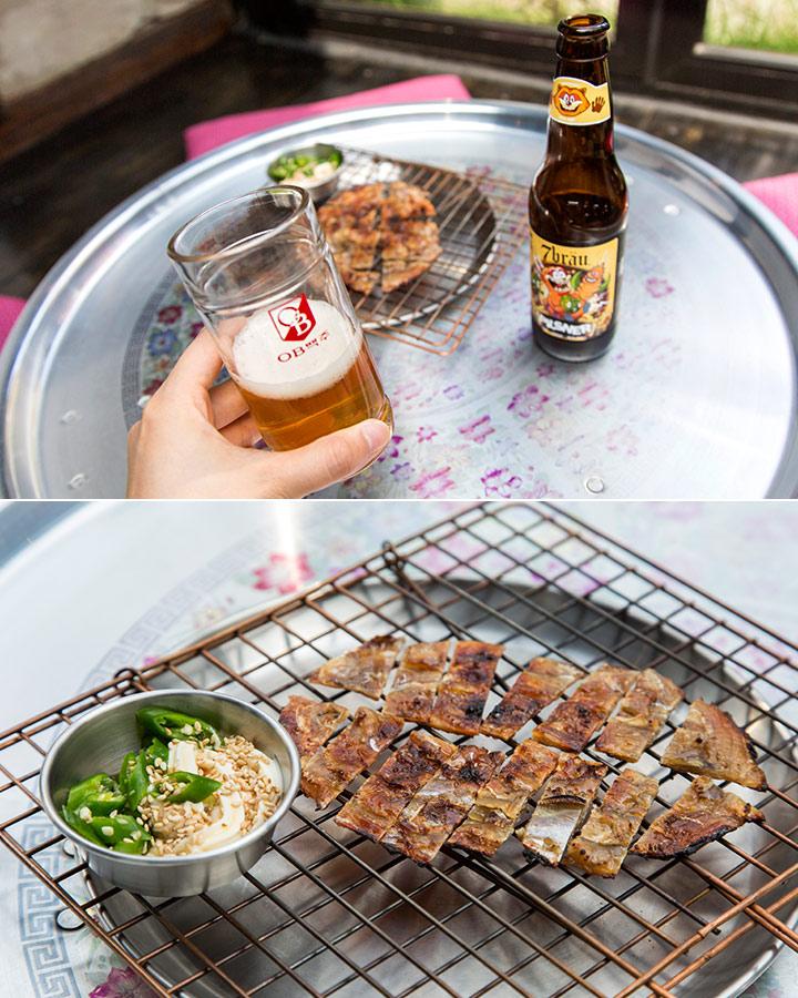 一杯啤酒,搭上一盤烤魚乾~就算自己一個人喝酒也不寂寞了呢:)