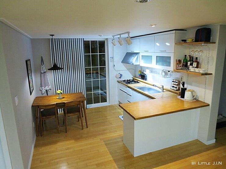 鏘鏘!原本的廚房果然也變成白色&原木的同一色調了呢!