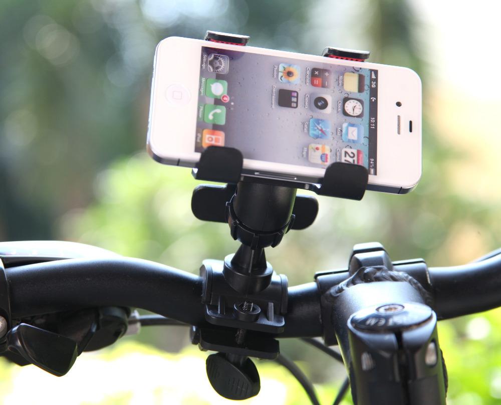 3. 盡量放置、保管在通風陰涼處 手機對於外部環境很敏感,特別是騎腳踏車的朋友們,很喜歡將手機掛在腳踏車正前方,讓手機暴露在陽光下,這種情況需要相當注意!  長時間在太陽下暴露的話,手機的各種功能都可能故障,特別是開車時,車內的溫度超過80度的話,還可能導致電磁爆炸的危險