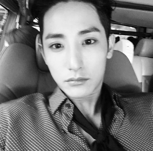 1. 李洙赫 (Star J娛樂)