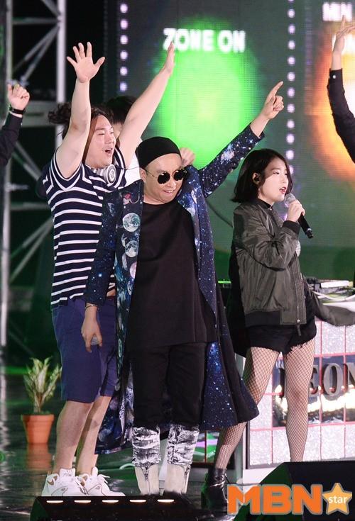 IU與朴明秀的《Leon》已經連續6天在各大排行榜上佔據冠軍