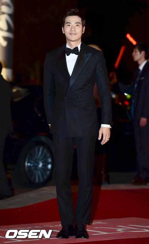 No.3, 韓國演員金剛于 帥氣外貌+謹慎細心的個性而知名,對GAY而言不是很有魅力的一點嗎?