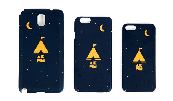 手機殼走一個簡單路線,帳篷下的4個英文字母是樂團音樂家的英文縮寫(AKMU)