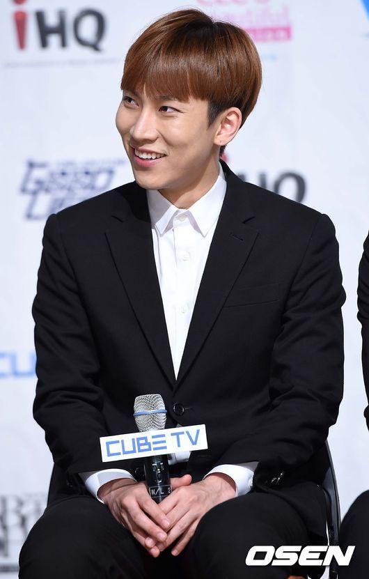 恩光 - 原取名為Silver Light(可以直譯為銀光嗎XD)  聽說他想要取一個像G-Dragon般的藝名