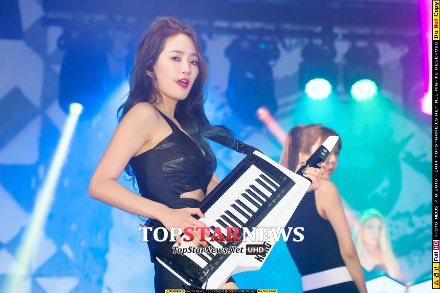 譽恩 - 原取名為Silver  我想知道韓國人對銀色有什麼迷信(請參見上篇男團BTOB的恩光XD)