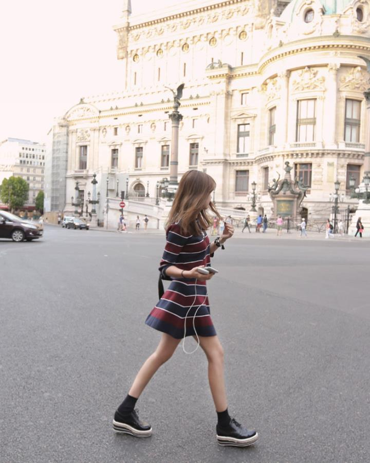 除了前面的款式,這種喇叭裙的設計小編也很喜歡,只是要時刻防止走光!