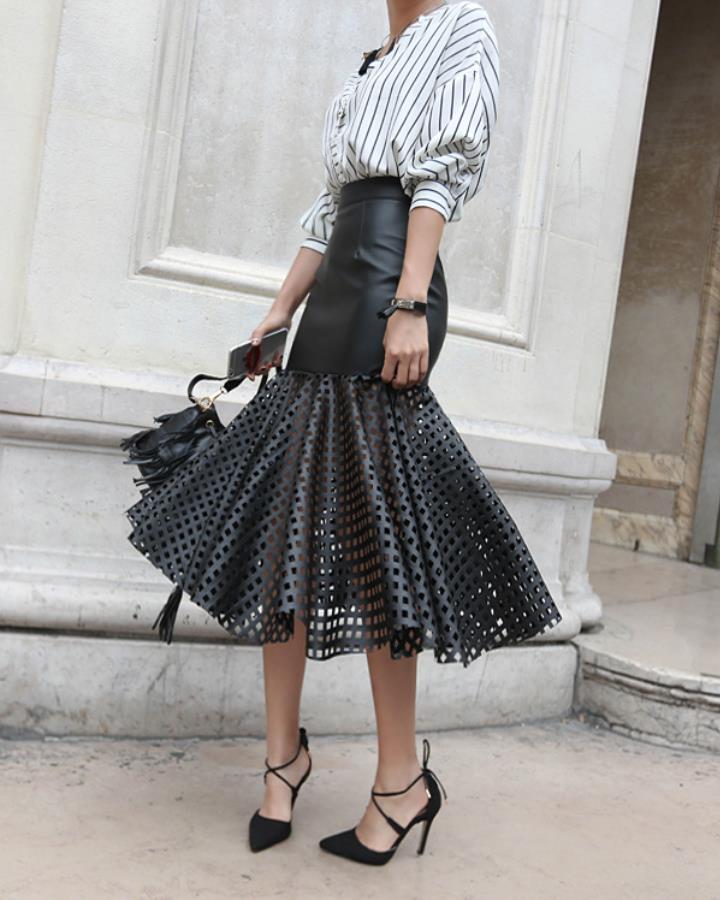 其實這款裙子今年在歐美也是大熱~時尚感十足的同時卻也很難駕馭。