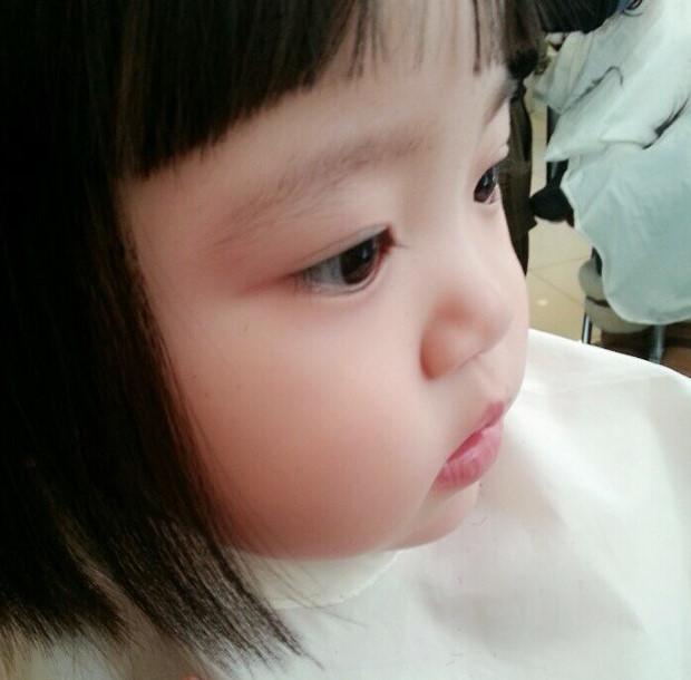 """""""新髮型是不是很萌?"""".... ♥"""