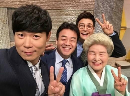 話說最近韓國帥主廚料理的節目真的好夯,小編就有在看有線台Olive節目《韓食大捷3》 ......相信觀看美食節目的的觀眾跟小編一樣口水從來沒有停止過(¯﹃¯)
