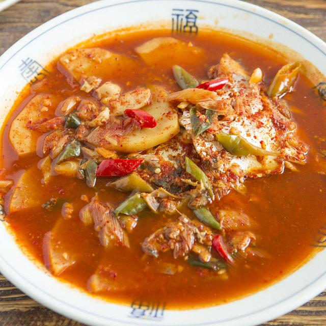 韓食看起來非常簡單,好像什麼都加辣就好,也許你會覺得它看起來沒有義式大餐複雜,但是它絕不簡單。