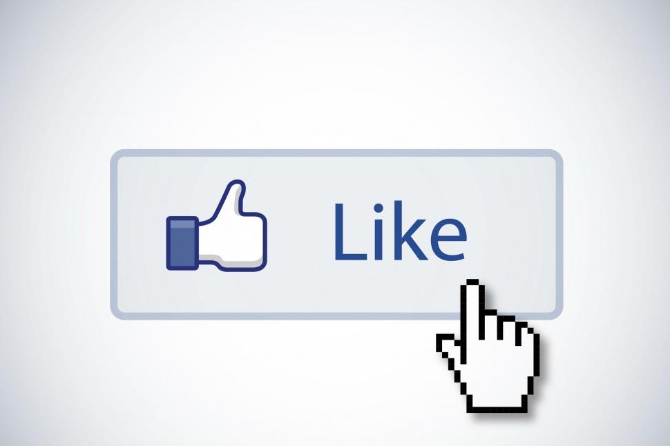 大家每天都在逛臉書,把喜歡的藝人的facebook粉絲團按讚~那你知道在Facebook上最多粉絲的韓流明星是誰嗎?數據統計到2015/09/01,讓我們來看看進入世界Facebook粉絲團前1000名的14位韓流明星!