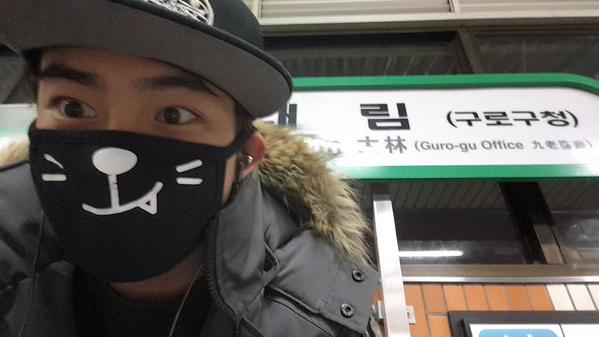 你看看哪個韓流明星一天到晚搭地鐵的啦~